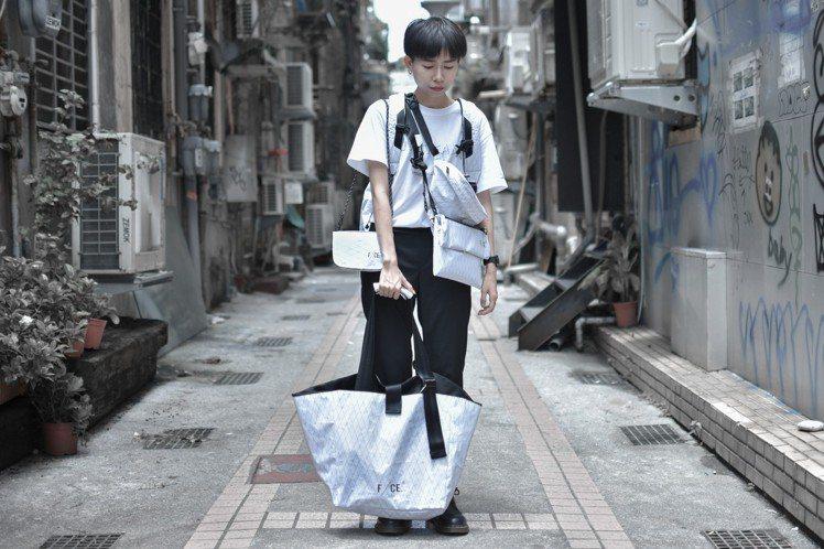 日系品牌F/CE也與台北東區潮流店DYCTEAM合作,設計出一系列以黑、白調為主...