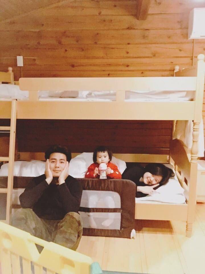 郭彥均(左)愛家愛老婆跟小孩,這些年把所有賺的錢都交給老婆打理。圖/郭彥均臉書