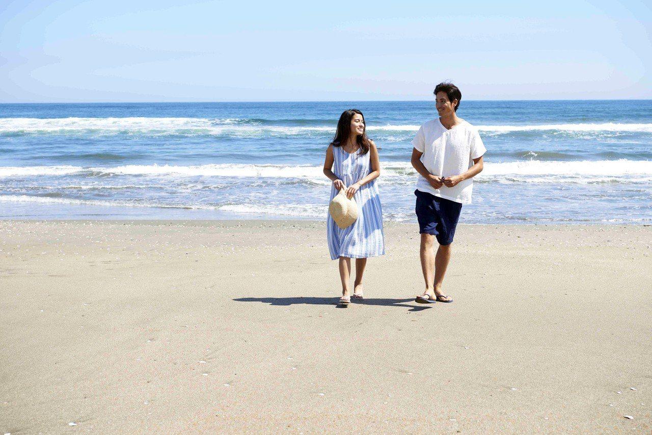 2018 UCHINO棉花糖三重紗系列,今年加入[度假生活]的設計概念。圖/UC...