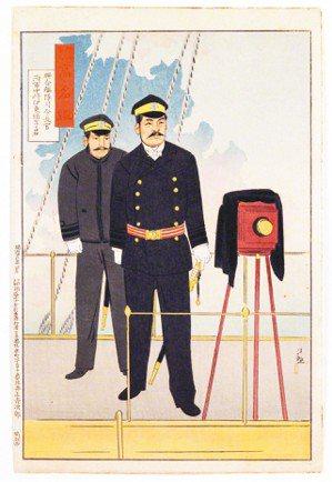 圖2:箱型照相機後的〈聯合艦隊司令長官海軍中將伊東祐亨君〉,小林清親畫,1895...