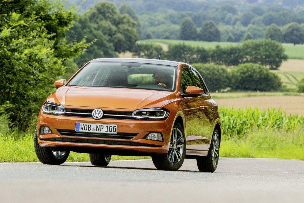 第六代Volkswagen Polo拿下2018世界都會風雲車。 台灣福斯汽車提...