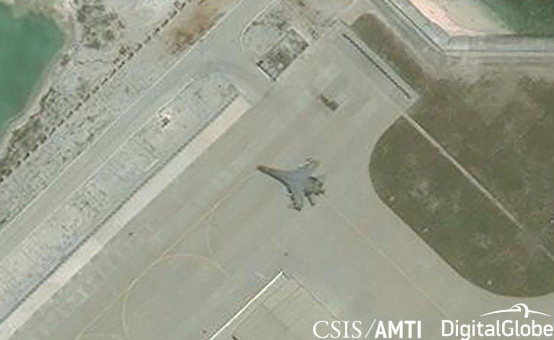 永興島上的J-11戰機。 圖/路透社