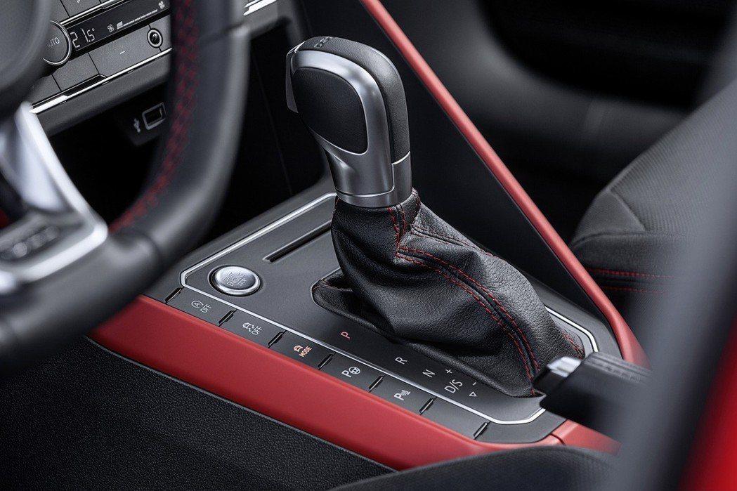 The new Polo GTI搭配6速DSG雙離合器自手排變速箱。 台灣福斯汽車提供