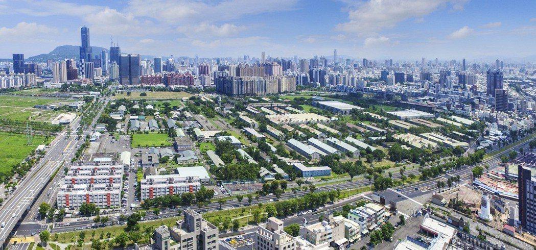 205兵工廠位於高雄市前鎮區,周邊有中山三路、光華三路、凱旋四路主要道路環繞。 ...