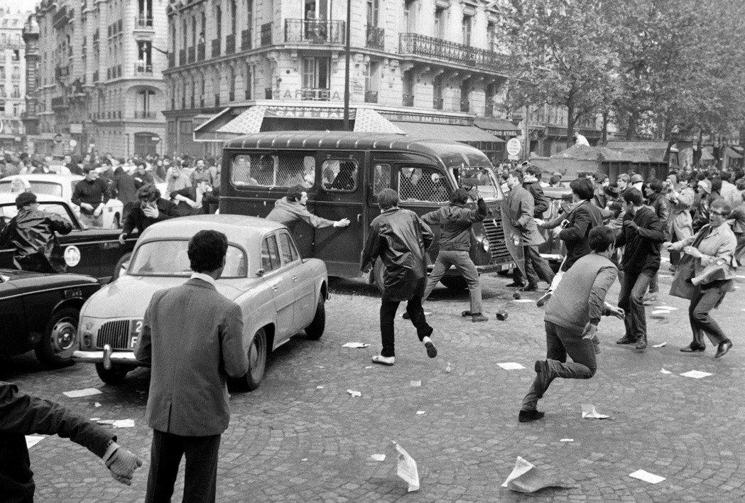 巴黎拉丁區的警民衝突,是五月風暴的關鍵時刻之一。 圖/法新社