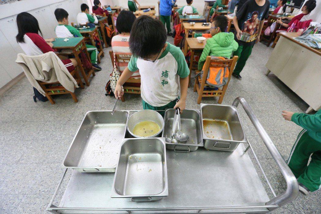 埔和國小近年推動零廚餘,老師會教育學生不挑食、惜食等飲食觀念,最後一點菜也會分光...