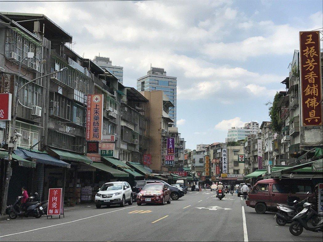 信義區街景。記者游智文/攝影