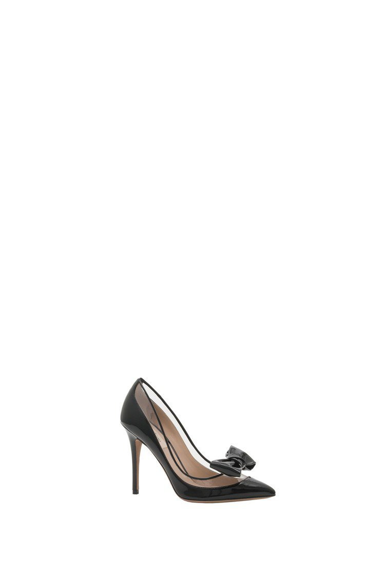 PVC拼接漆皮蝴蝶結裝飾高跟鞋,30,600元。圖/Valentino提供