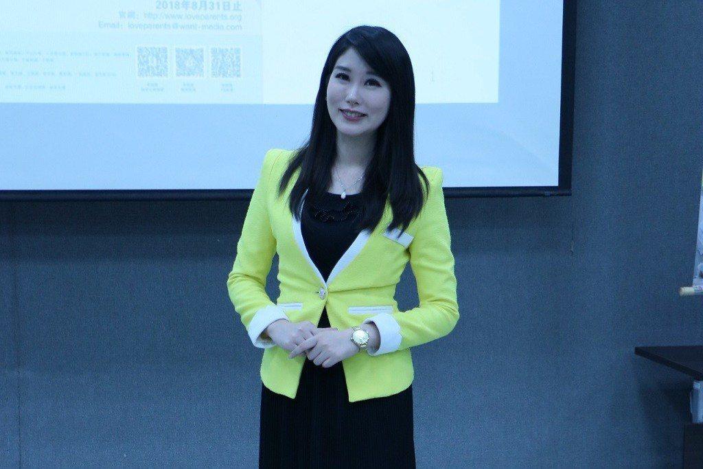 中天主播劉盈秀到蘭陽技術學院和學生座談分享。圖/中視提供