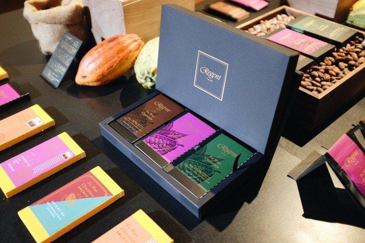 台灣紅玉茶巧克力、台灣鐵觀音茶巧克力及台灣炭焙烏龍茶巧克力,每款單片380元。圖...