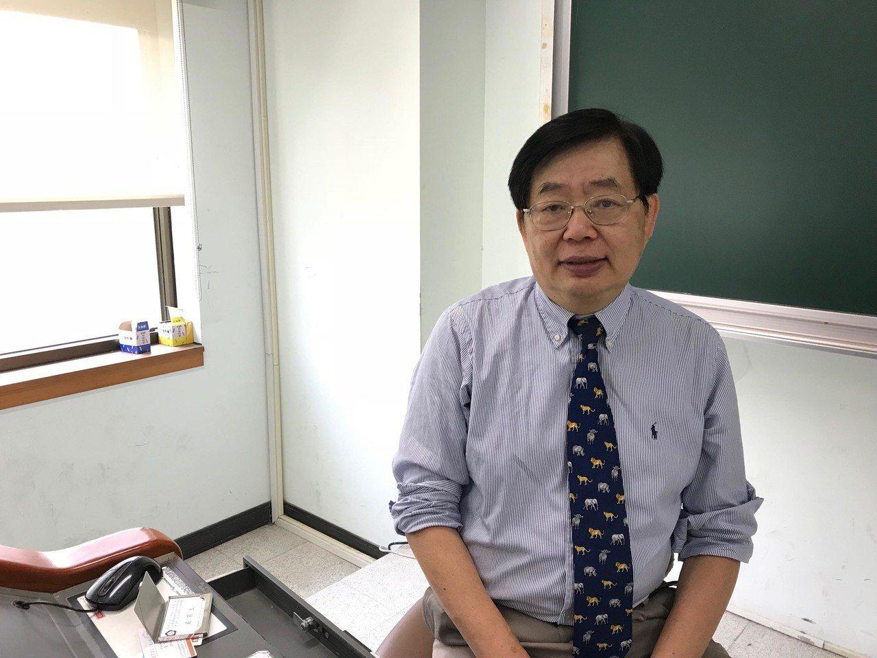 台灣學者嚴震生。 中央社資料照片