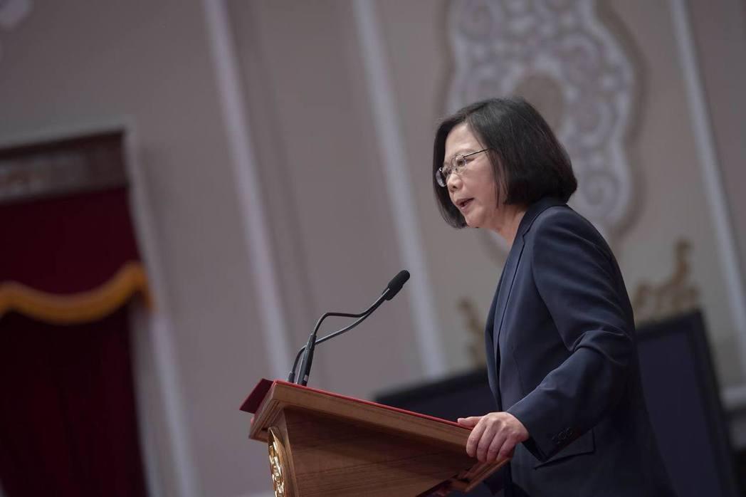 蔡英文總統表示面對中國「要有一個團結的台灣」,此言非虛,充滿階級歧視的社會裡,說...