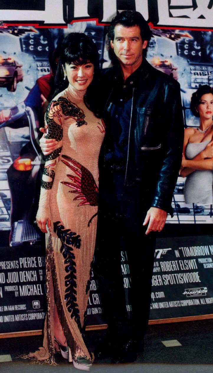 皮爾斯布洛斯南與楊紫瓊曾一起來台出席007「明日帝國」首映會。圖/報系資料照片