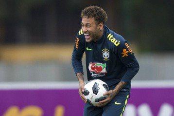 內馬爾領軍3前鋒 巴西嘗試新陣容?