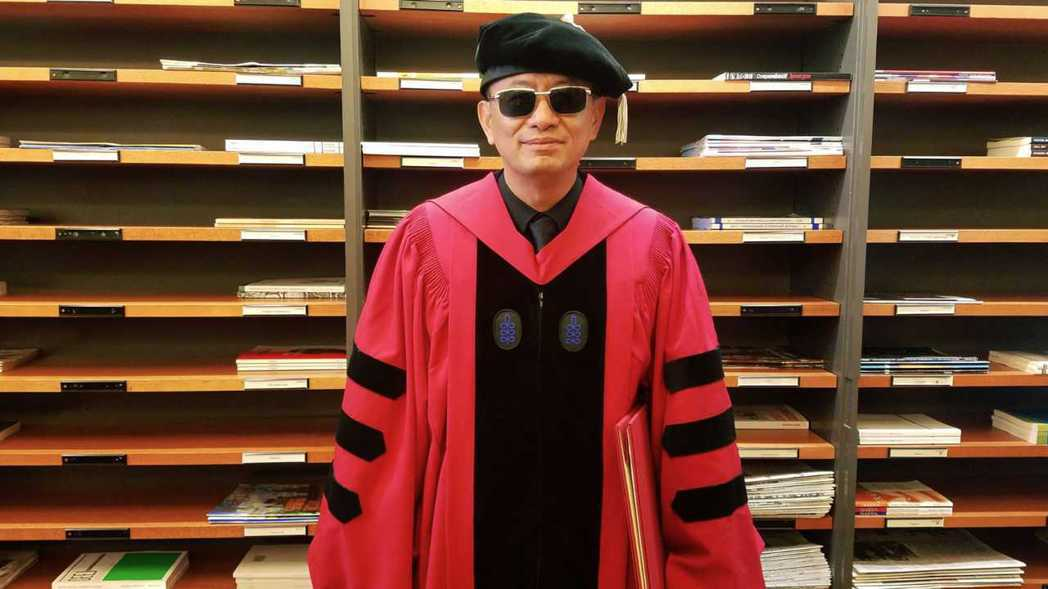 王家衛獲得哈佛大學榮譽博士學位,是首位亞洲導演。圖/澤東提供