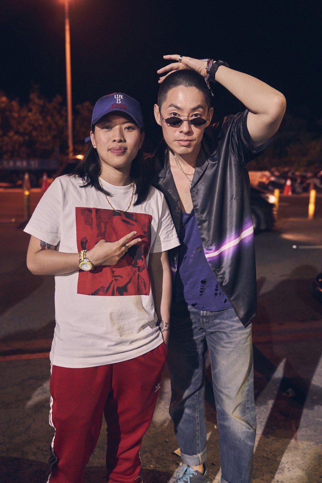 葛仲珊和吳建豪(右)參加「春浪音樂節」。圖/環球音樂提供