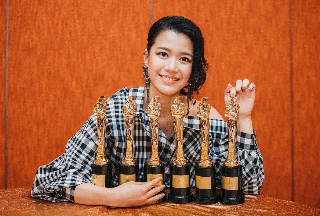 郭修彧首張創作專輯奪得馬來西亞「娛協30頒獎典禮」的多個獎。圖/妮樂佛提供