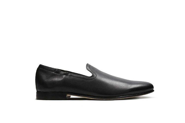 Clark都會正裝系列Form Step紳士鞋,約7,280元。圖/展路股份有限...