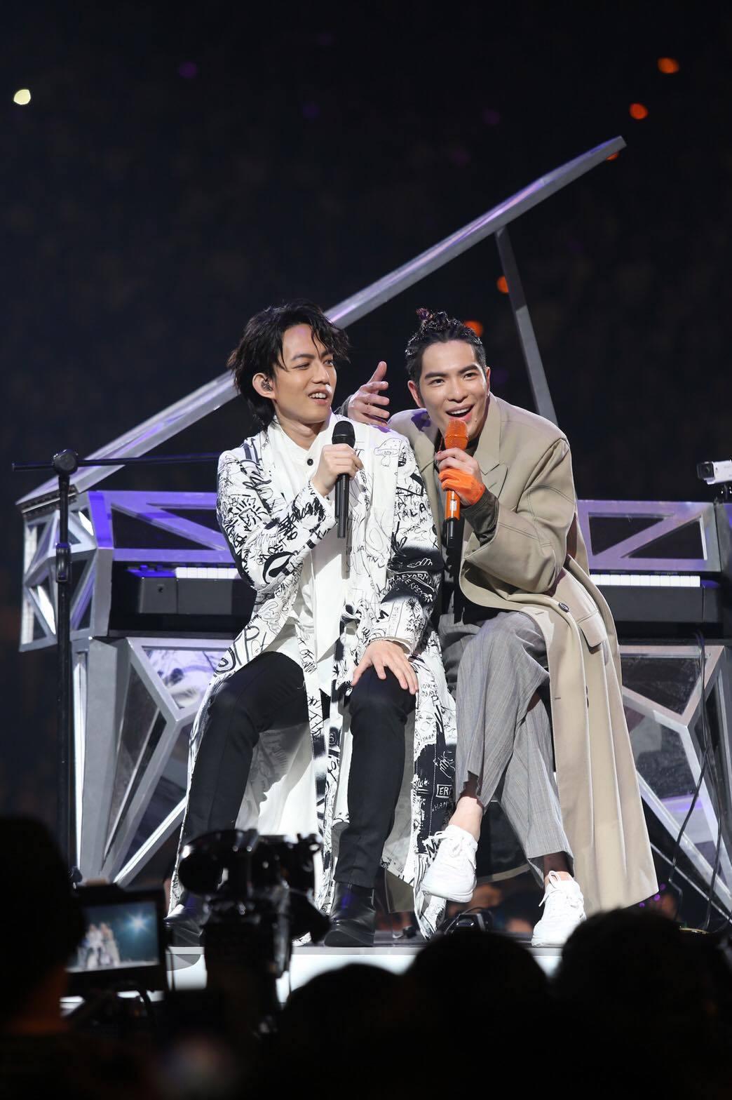 蕭敬騰和林宥嘉首次同台。記者林伯東/攝影