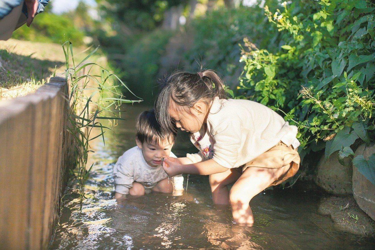 墾丁也有祕境可以「摸蛤仔」,另類戲水。 圖/華泰瑞苑提供