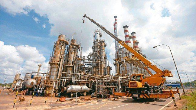 台灣期貨交易所即將推出以國際油價指標─布蘭特原油為標的之原油期貨。 路透