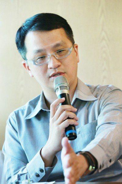 淡江大學中文系助理教授楊宗翰。記者黃義書攝影