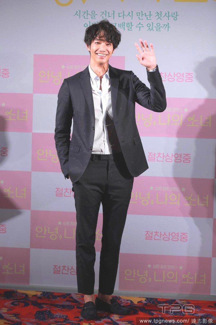 劉以豪飛韓國宣傳電影《帶我去月球》。圖/達志影像