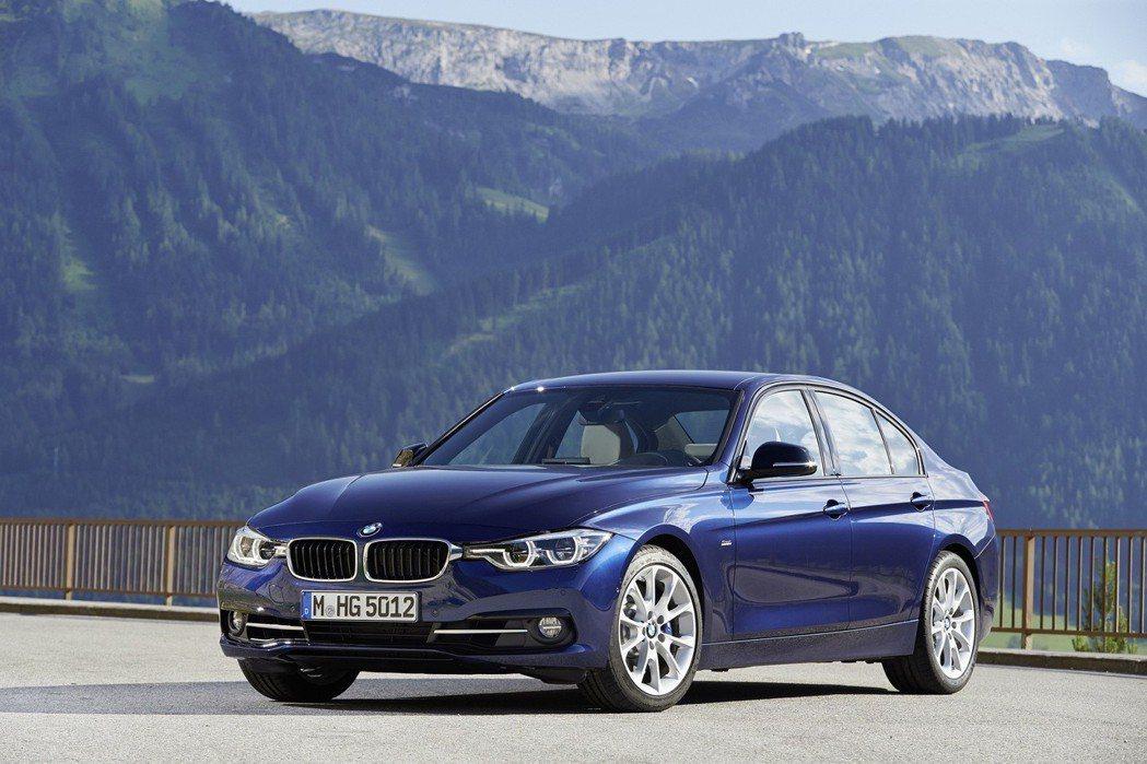 BMW 3系列四門房車。 圖/汎德提供