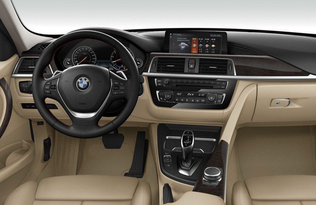 正2018年式3系列升級智能數位駕駛座艙,含8.8吋中控觸控螢幕。 圖/汎德提供