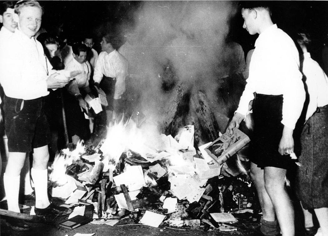 「每個人都很有可能成為加害者」、「即便當年沒有親身參與壓迫猶太人,當時德國家家戶...