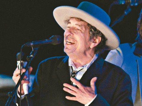 曾是二0一六年諾貝爾文學獎得主、同時也是民謠搖滾之父巴布狄倫(Bob Dylan)在闊別台灣七年後,將於今年八月二日再度登台展現歌唱魅力!貴為全球傳奇性的音樂文化代表,巴布狄倫自二0一一年首次訪台後...