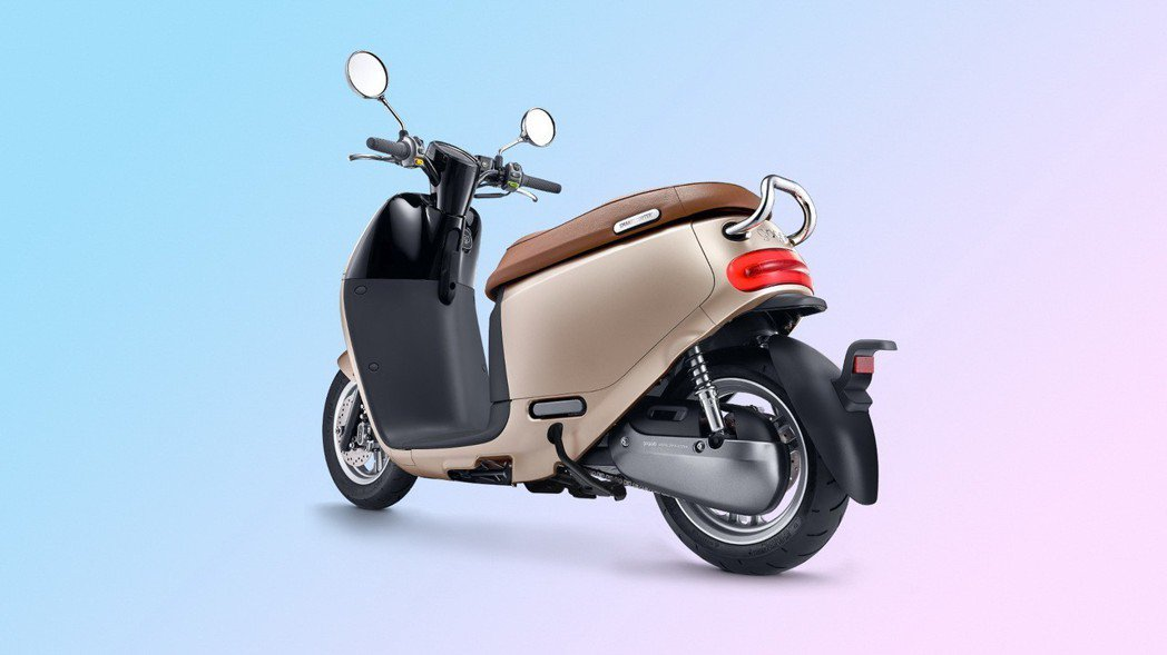 Gogoro 2 Delight採用12吋鋁合金輪圈,不僅座高相對降低,體型嬌小...