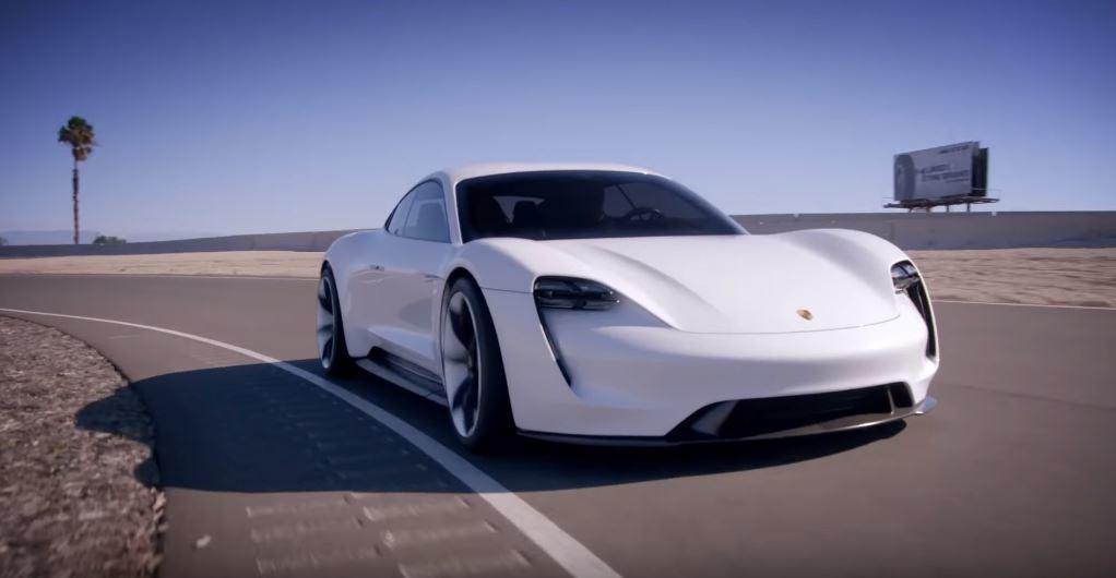 超過600hp的馬力,0-100km/h能於3.5秒內達成。 摘自Porsche