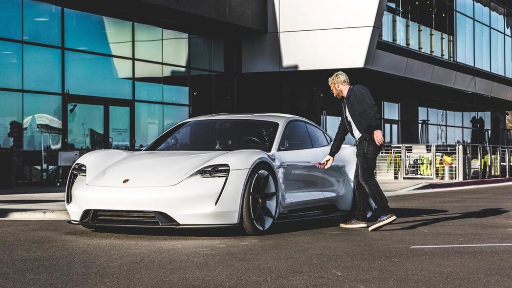 Adam Levine說:這車太讚了 我買兩台! 摘自Porsche