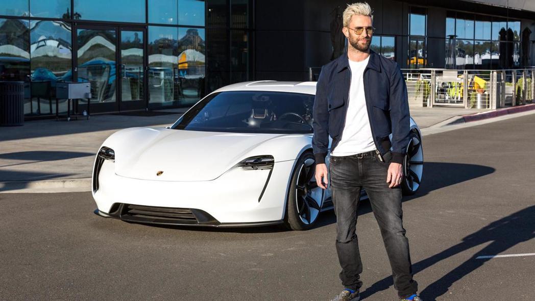Adam Levine對Mission E讚不絕口。 摘自Porsche