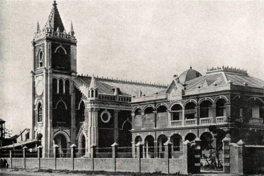 台北最初的天主教堂位於民生西路旁,也曾在空襲中遭炸毀。 圖/取自維基共享