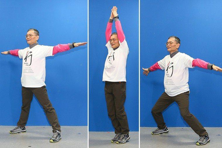 簡文仁示範雙腳跳躍:上下開合、左右花步、前後踩踏。 攝影/陳立凱