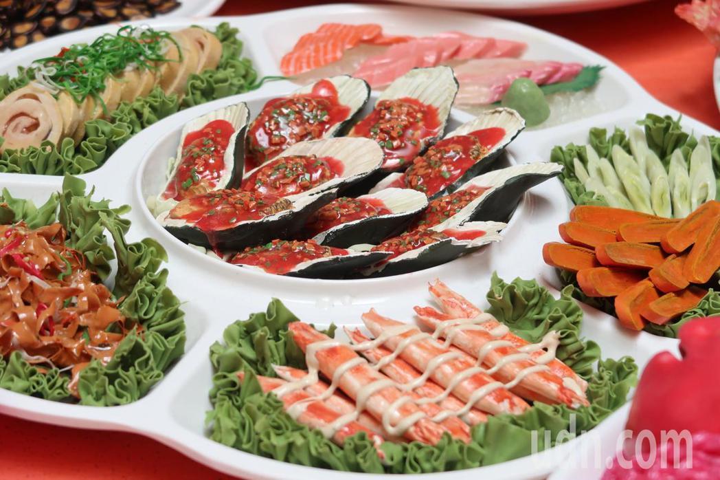 菜餚大家分著吃不易變胖。記者翁禎霞/攝影