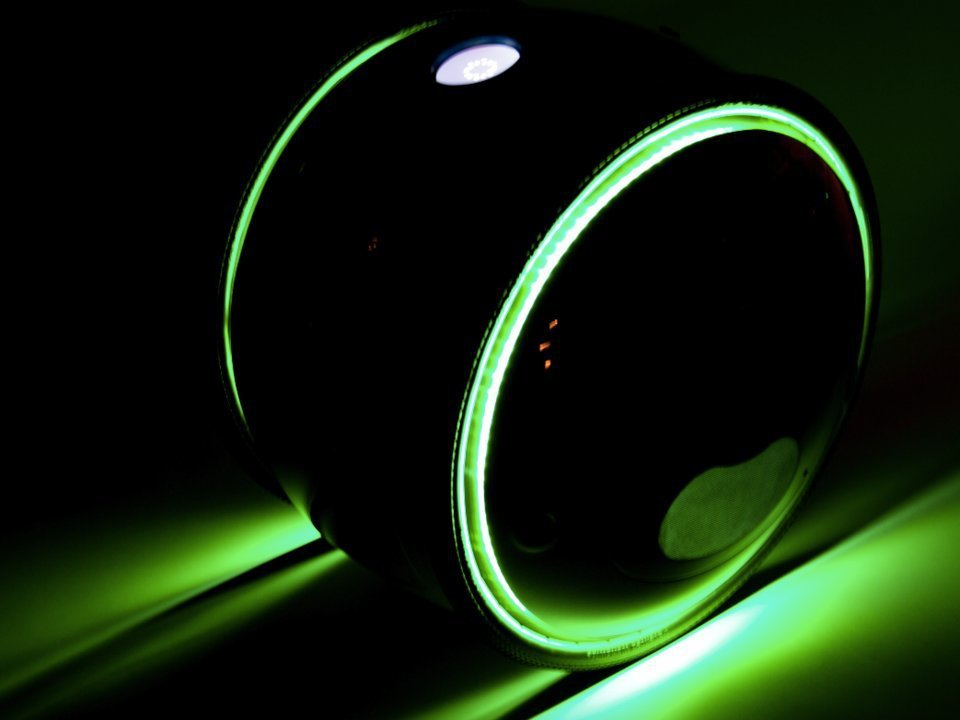 Gita有藍色、黃色、紅色、綠色和灰色,各個顏色的Gita都有相搭配的LED燈。...