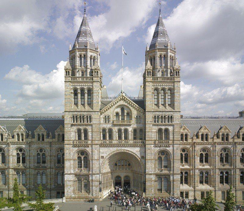 自然史博物館名列倫敦必遊景點,每年有約550萬名遊客造訪。 圖/聯合數位文創提供