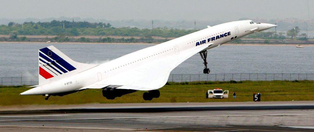 新的超音速客機時速可達2335公里。圖為2003年3月31日,協和號最後一次在紐...
