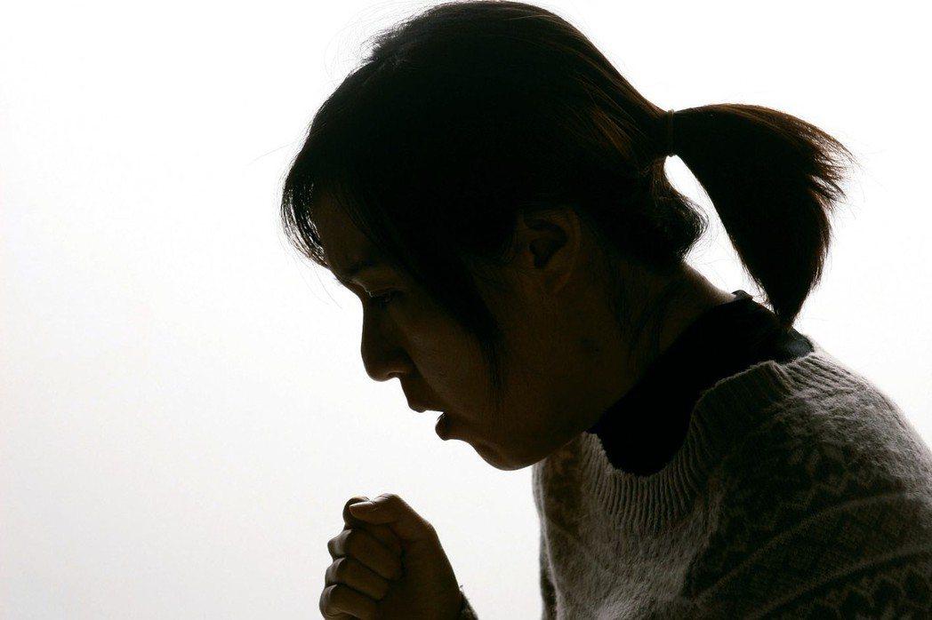 咳血是健康的警訊,發現痰液中有血,要保持鎮靜,避免想要將血「咳乾淨」而用力咳嗽,...