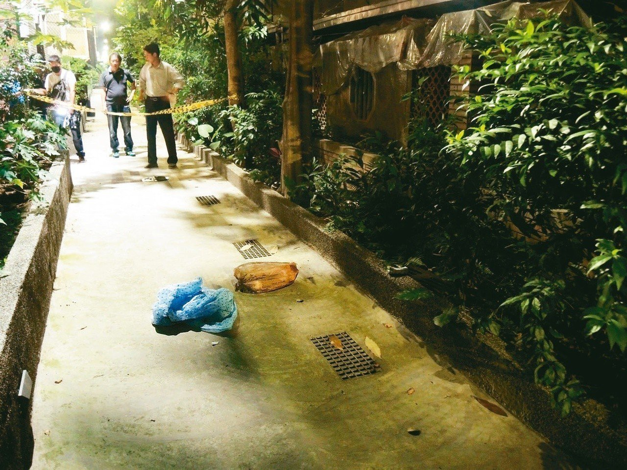 警方偵辦板橋分屍命案,近日尋獲被害女子的大腿殘肢,並持續尋找部分臟器。為讓住戶安...