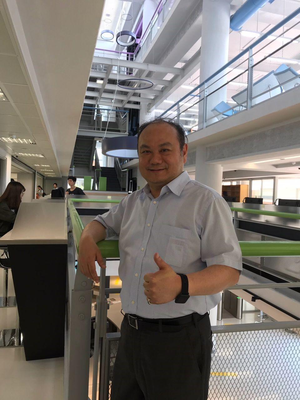 龍華科大校長葛自祥表示,龍華科大提供多元求學方案,持續發展有特色的技職教育,培育...