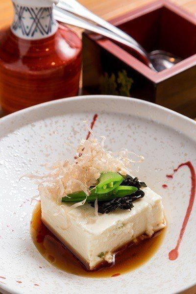 山葵酒粕起司豆腐鹹中帶嗆。