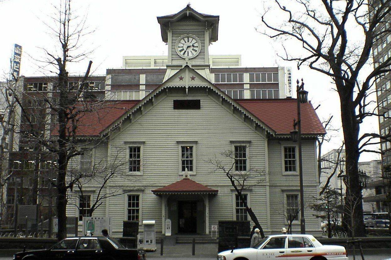 札幌市鐘樓是當地代表性的景點之一。圖/取自維基百科