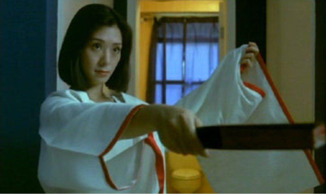 夏文汐因「烈火青春」迅速成為香江話題女星。圖/摘自sogoodreviews