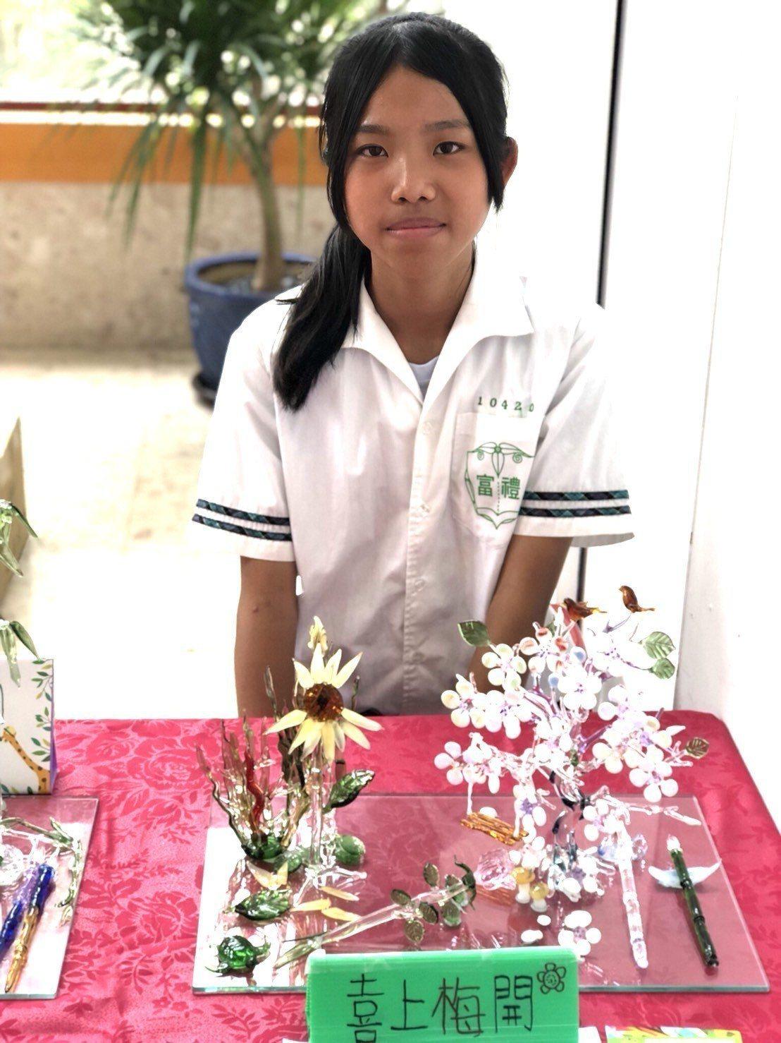 李函昱「喜上梅開」獲得竹市國中技藝教育競賽化工職群第一名。圖/新竹市府提供