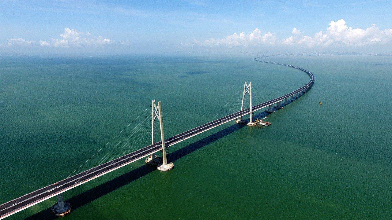 即將通車的港珠澳大橋。新華社資料照