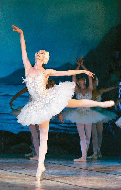今年適逢「古典芭蕾之父」佩提帕冥誕兩百年,俄國三大天團之一的莫斯科古典芭蕾首度訪...